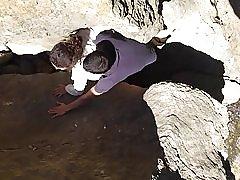 Tugas u stijenama