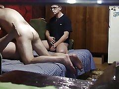 Par ima seks dok jeziv tip satova