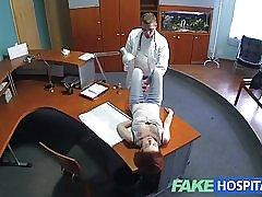 Fakehospital mala crvenokose seksualne vještine čini doktore sperma