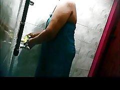 Desi tetkica uhvaćen na skrivene kamere-3 mallus